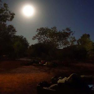 Uluru Swag Schlafen im Mondschein