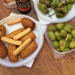 Snack auf dem Markt von Cadiz