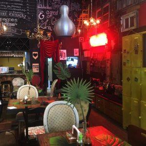 HHübsche Bar in Santa Teresa